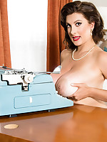 Scoreland - Model Secretary - Valory Irene (60 Photos)