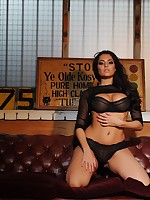 Charley S aka Charlotte Springer - British Glamour Girl & Model Photo Gallery