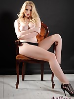 Jess Davies UK Glamour Model - Jess Davies Nude Photos